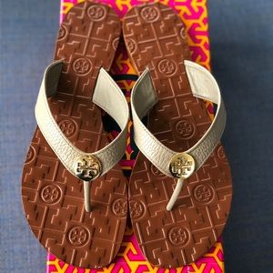 NEW 🌟 Tory Burch Thora Gray Leather Sandals